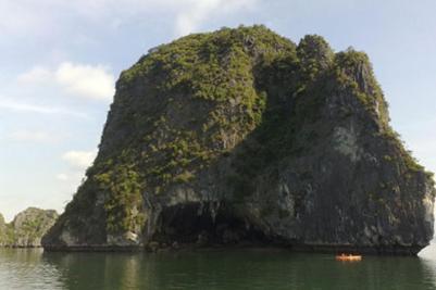 Hang Bồ Nâu – Ảnh: Lê Việt Hải (VnExpress – 27.1.1010)