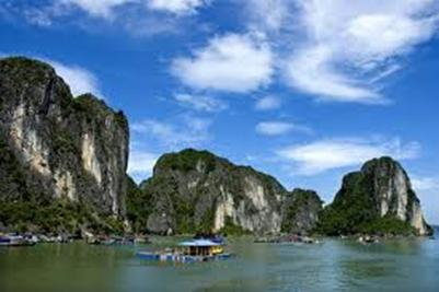 Vịnh Hạ Long – Ảnh: nguồn dulichvietnam.asia