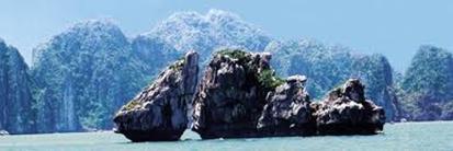 Kỳ quan đá dựng giữa trời cao – Ảnh: nguồn yamaha-motor.com.vn