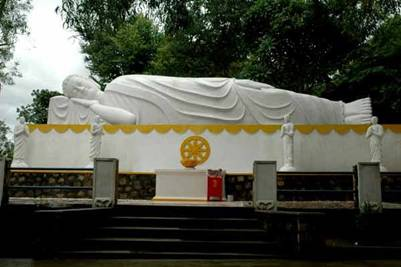 Tượng Phật nhập niết bàn – Ảnh: Võ Văn Tường (sites.google.com)