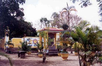 Bia mộ vua Thành Thái – Ảnh: Mai Kim Thành