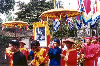 …và 100 năm ngày sinh (năm 2000) – Ảnh: Mai Kim Thành