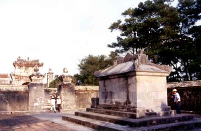 Phần mộ vua Tự Đức – Ảnh: Mai Kim Thành