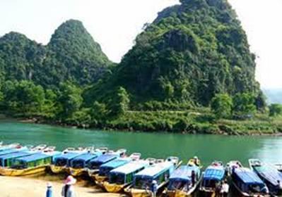 Bến thuyền sông Son – Ảnh: nguồn phongnhacorp.com
