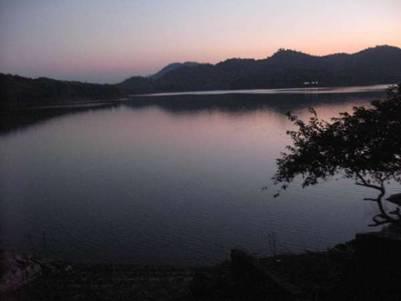 Hoàng Hôn ở hồ Pa Khoang – Ảnh: nguồn mytour.vn