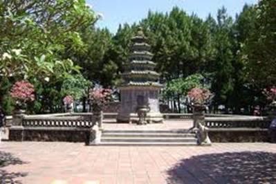 Nơi an nghỉ Hòa thượng Thích Đôn Hậu – Ảnh: nguồn southernlandtravel.com