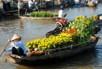 Chợ nổi vào Xuân – Ảnh: nguồn giacngo.vn