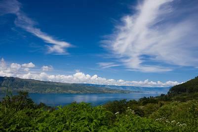 Hồ Toba trên đảo Sumatra