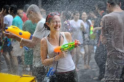 Càng ướt càng vui, càng nhiều hạnh phúc
