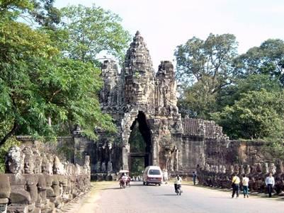 Cổng chính Angkor Thom