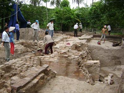 Khai quật khảo cổ tại Gò Tháp