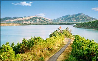 Đường vào Biển Hồ