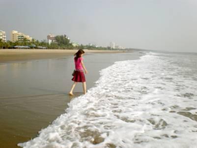 Bãi cát trắng mịn thoai thoải