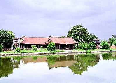 Tam quan nội chùa Keo