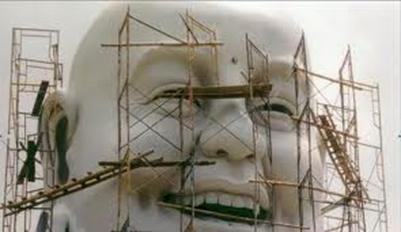 Tạo tác khuôn mặt Phật Di Lặc