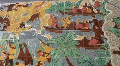 Tranh gốm sứ tại khu di tích