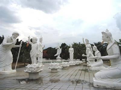 Bộ tượng Phật Đản sanh