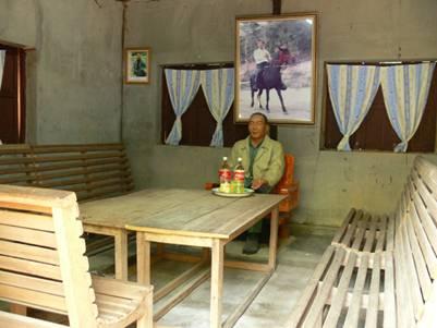 Phòng khách nhà Khun Sa