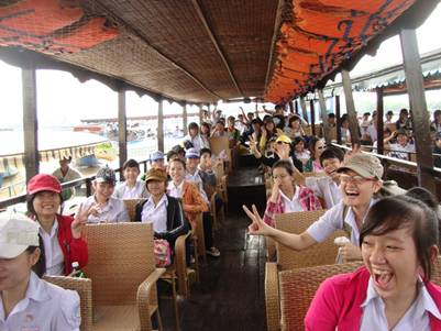 tàu du lịch đi Thới Sơn