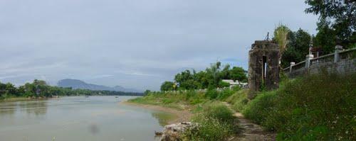 Đền Thượng bên sông Lô