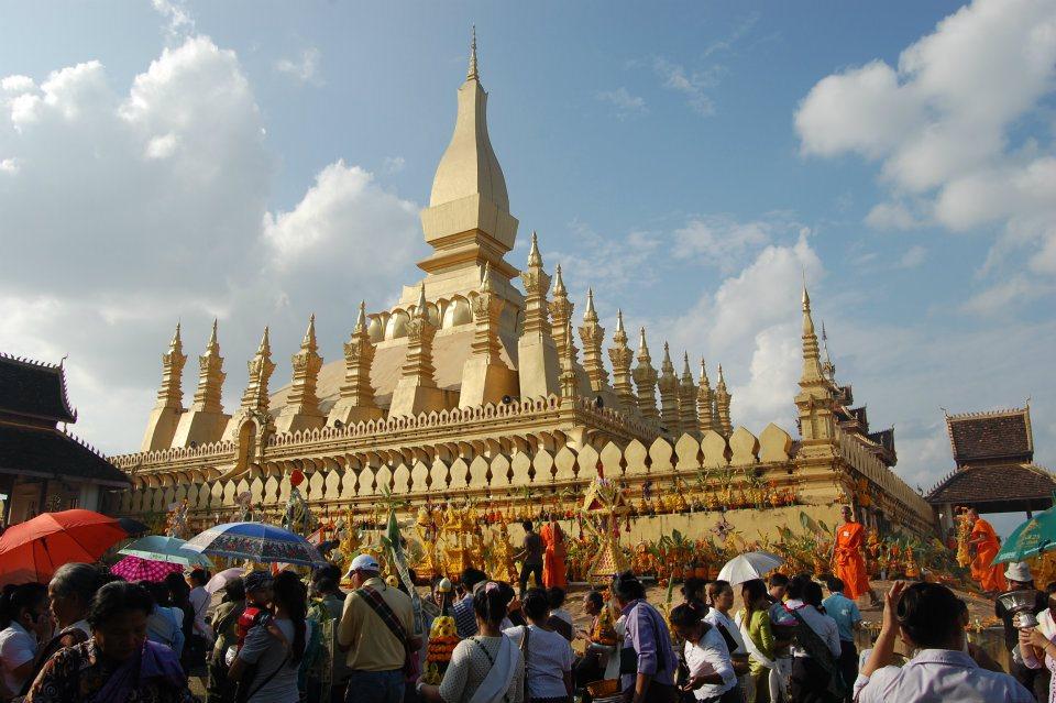 trẩy hội That Luang