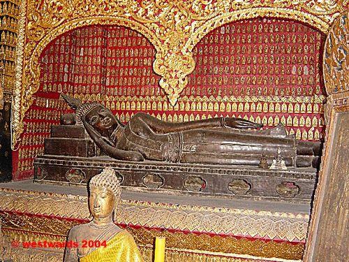 Bức tượng Phật nhập niết bàn