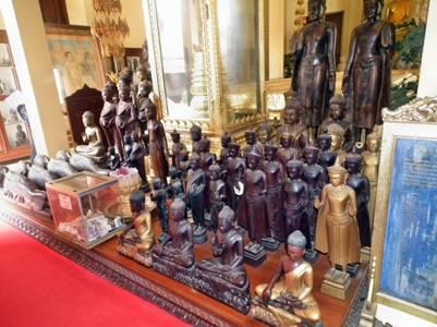 Tượng Phật tại nhà Keong Preah Bat