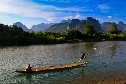 Đánh bắt cá ở Vang Vieng