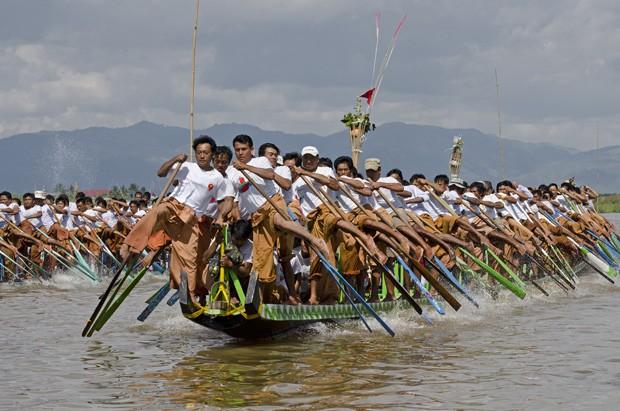 đua thuyền lễ hội Phaung Daw Oo