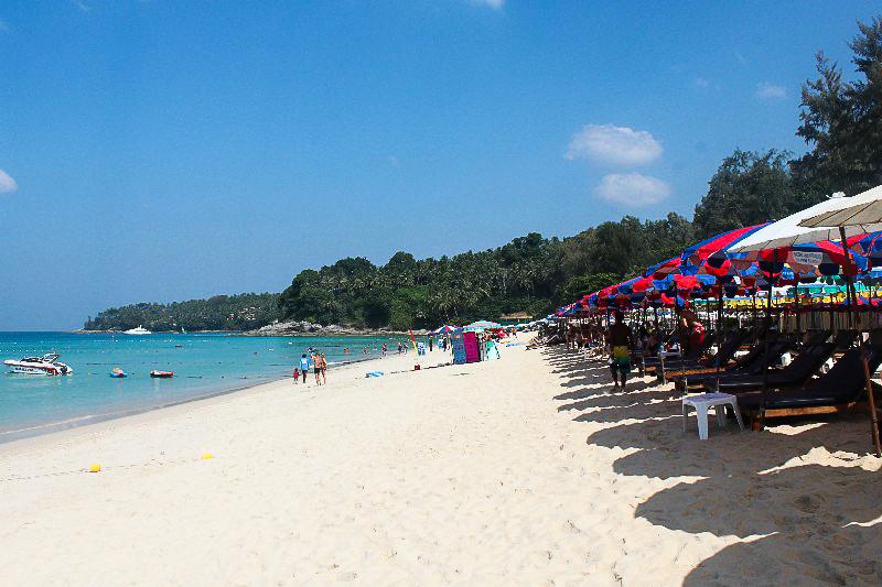 Bãi biển Surin