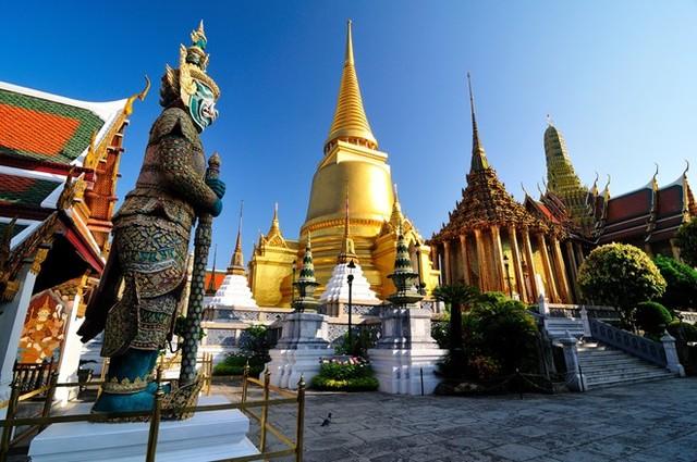 Tháp Phra Sri Rattana