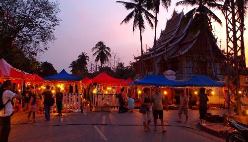 Chợ đêm Luang Prabang