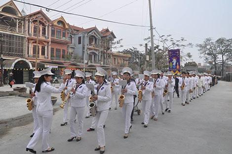 Đội kèn nữ ở xã Hải Minh