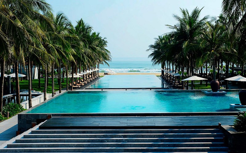 Bể bơi của Four Season The Nam Hai Resort