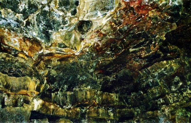 Thạch nhủ trên trần hang C7