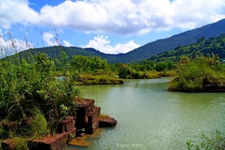 Hồ Đá Ma Thiên Lãnh