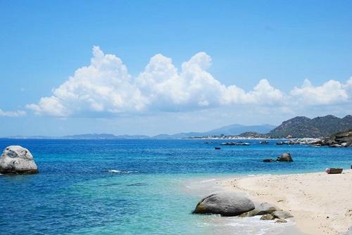 Biển Hải Tiến hoang sơ