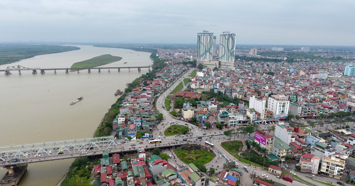 Thành phố bên sông Hồng