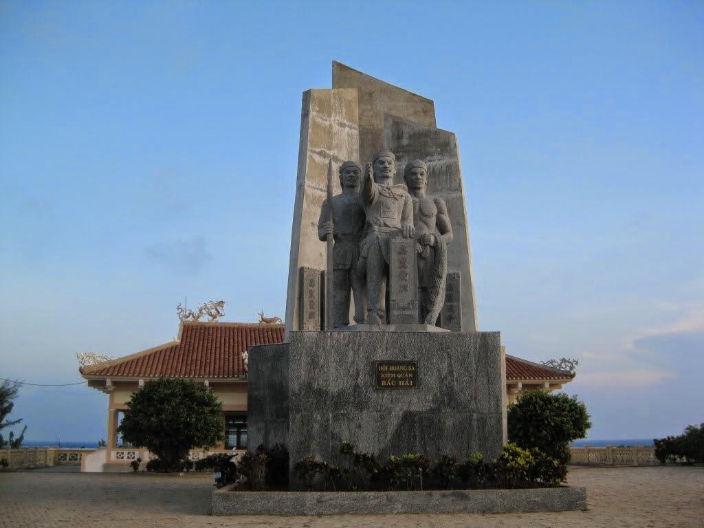 Tượng đài Đội Hoàng Sa kiêm quản Bắc Hải