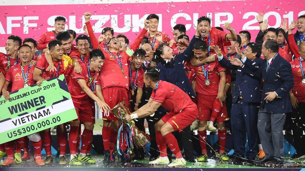 Niềm vui của đội chiến thắng