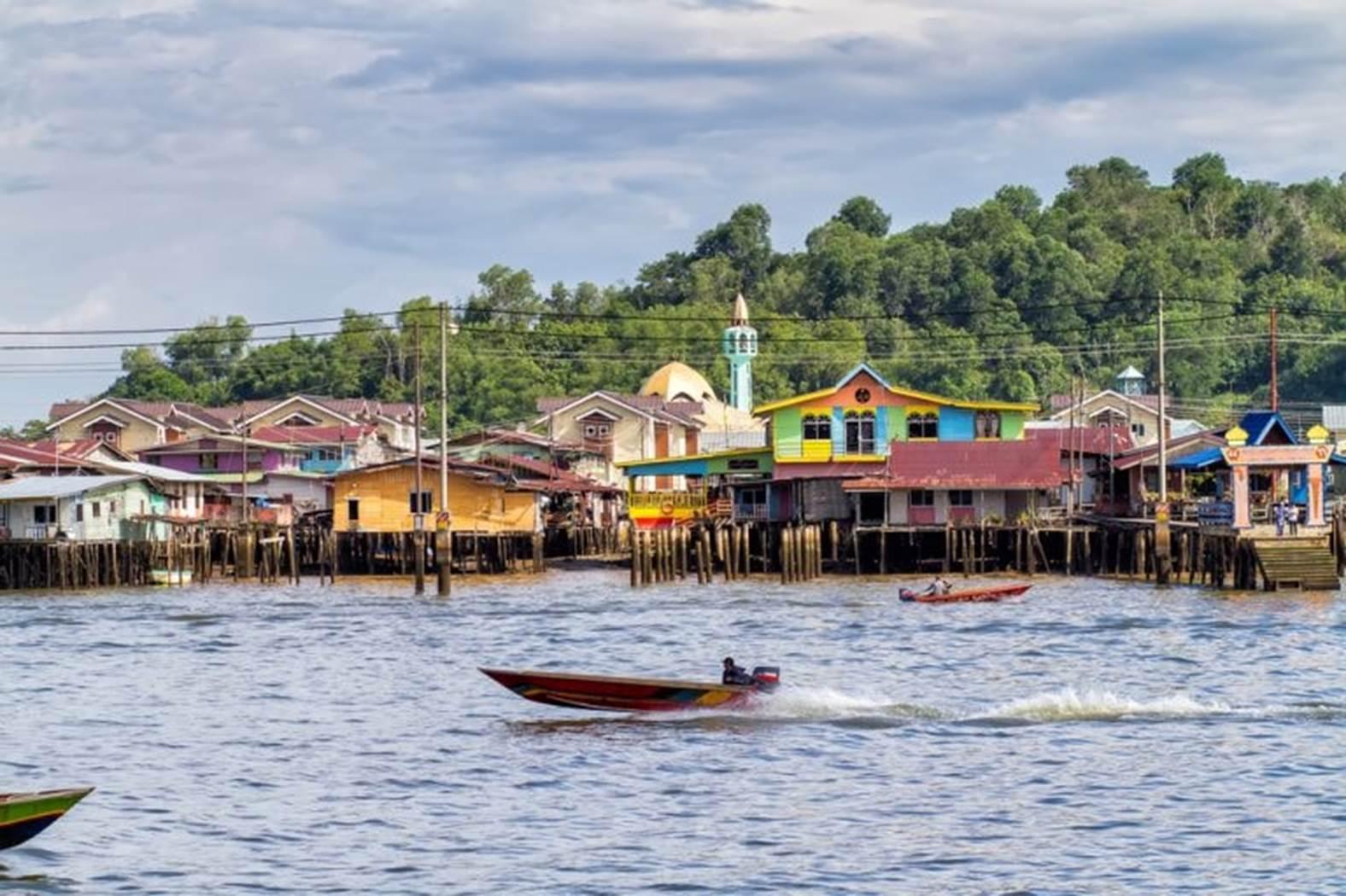 Làng nước nổi Kampong Ayer