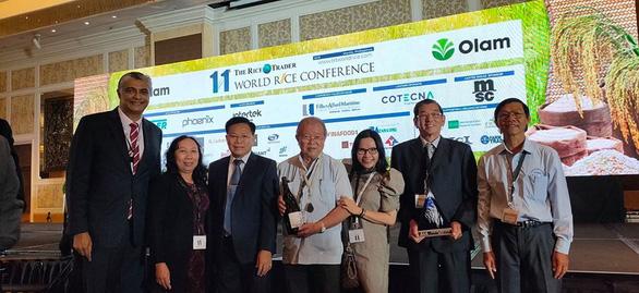 Đoàn Việt Nam nhận giải gạo ngon nhất thế giới