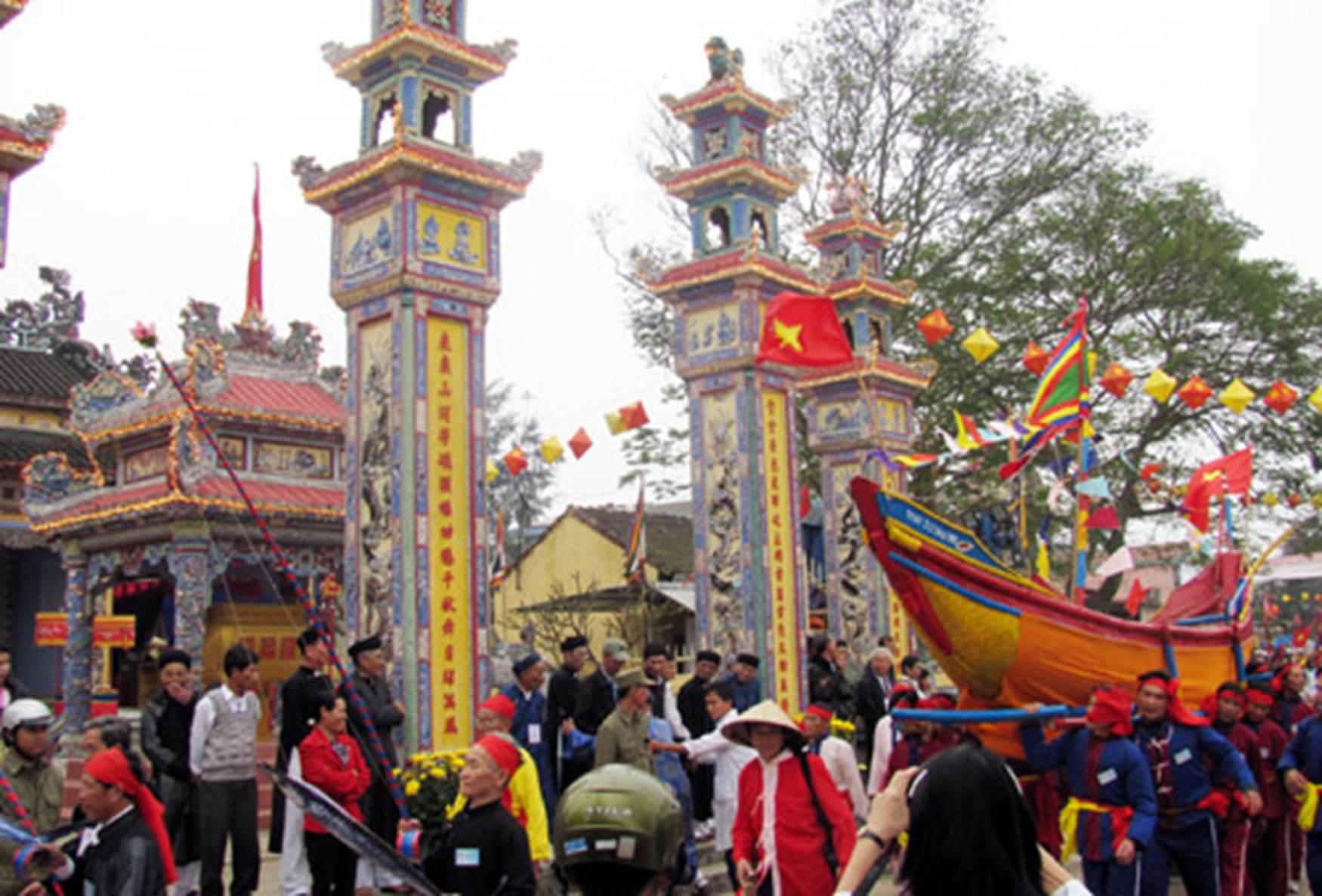 làng Thai Dương vào hội Cầu Ngư