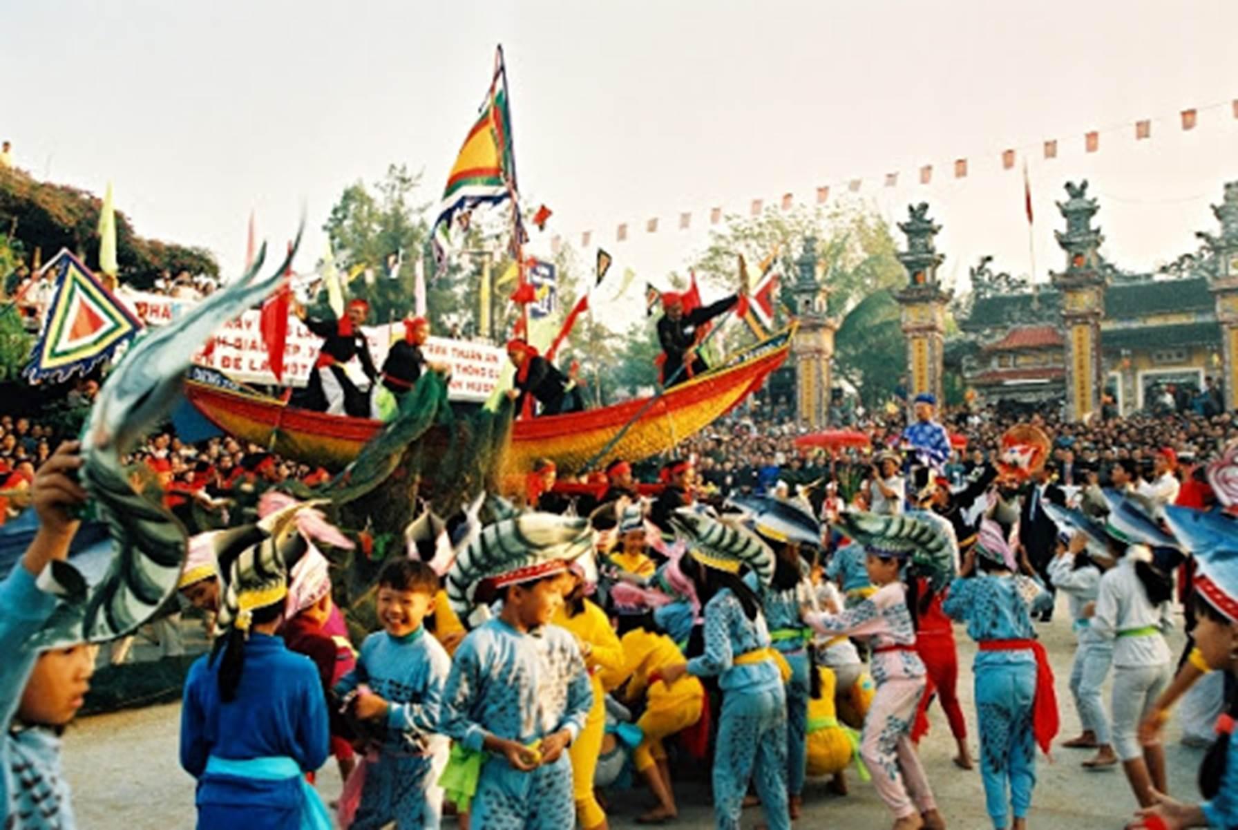 Lễ trình nghề ở Thai Dương Hạ