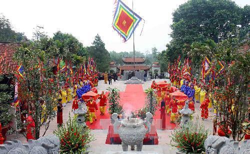 Lễ hội mùa Xuân Côn Sơn - Kiếp Bạc
