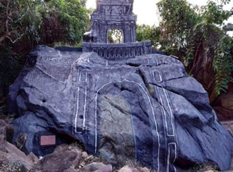 Cổng thành cổ Diên Khánh